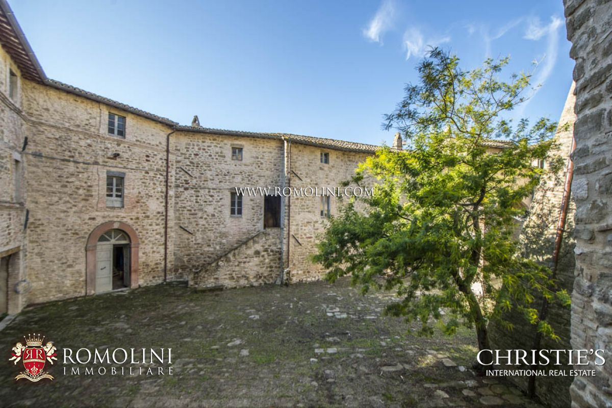 CASTLE FOR SALE IN UMBRIA