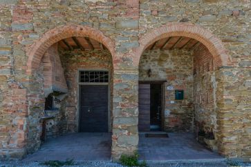 HISTORICAL VILLA WITH CHIANTI VINEYARD FOR SALE