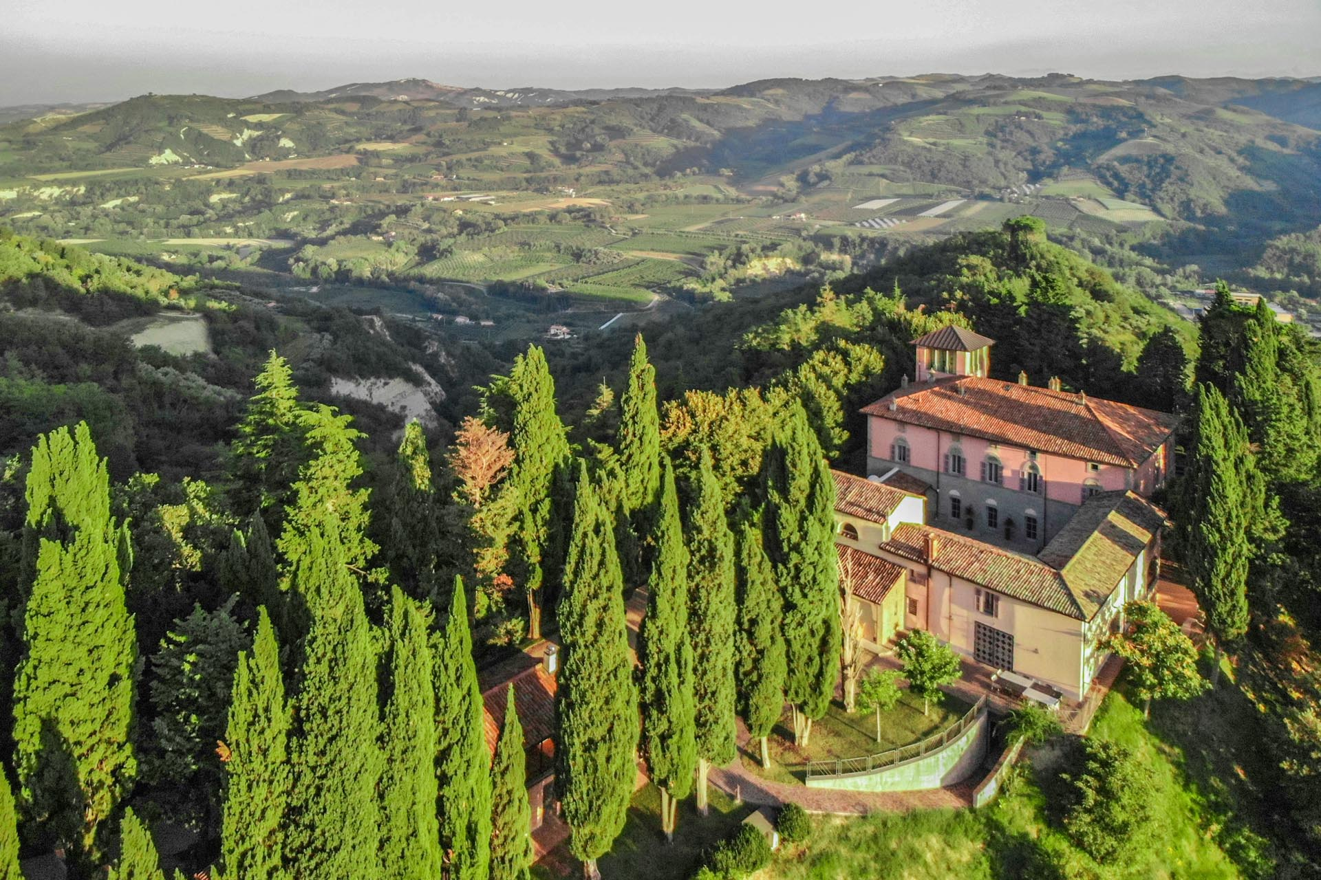 CASTLES FOR SALE, RUINED CASTLES FOR RENOVATION, CONVERSION IN