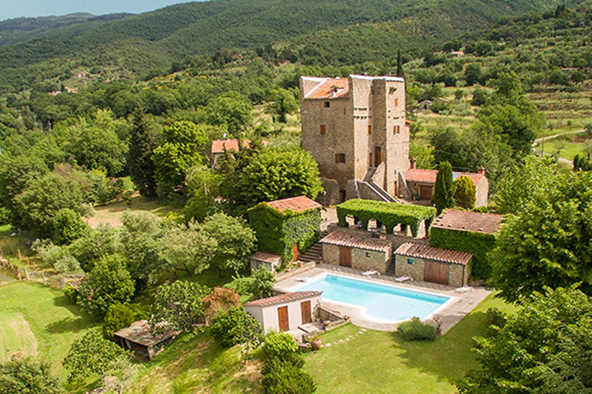 MEDIEVAL TOWER FOR SALE NEAR CORTONA, TUSCANY