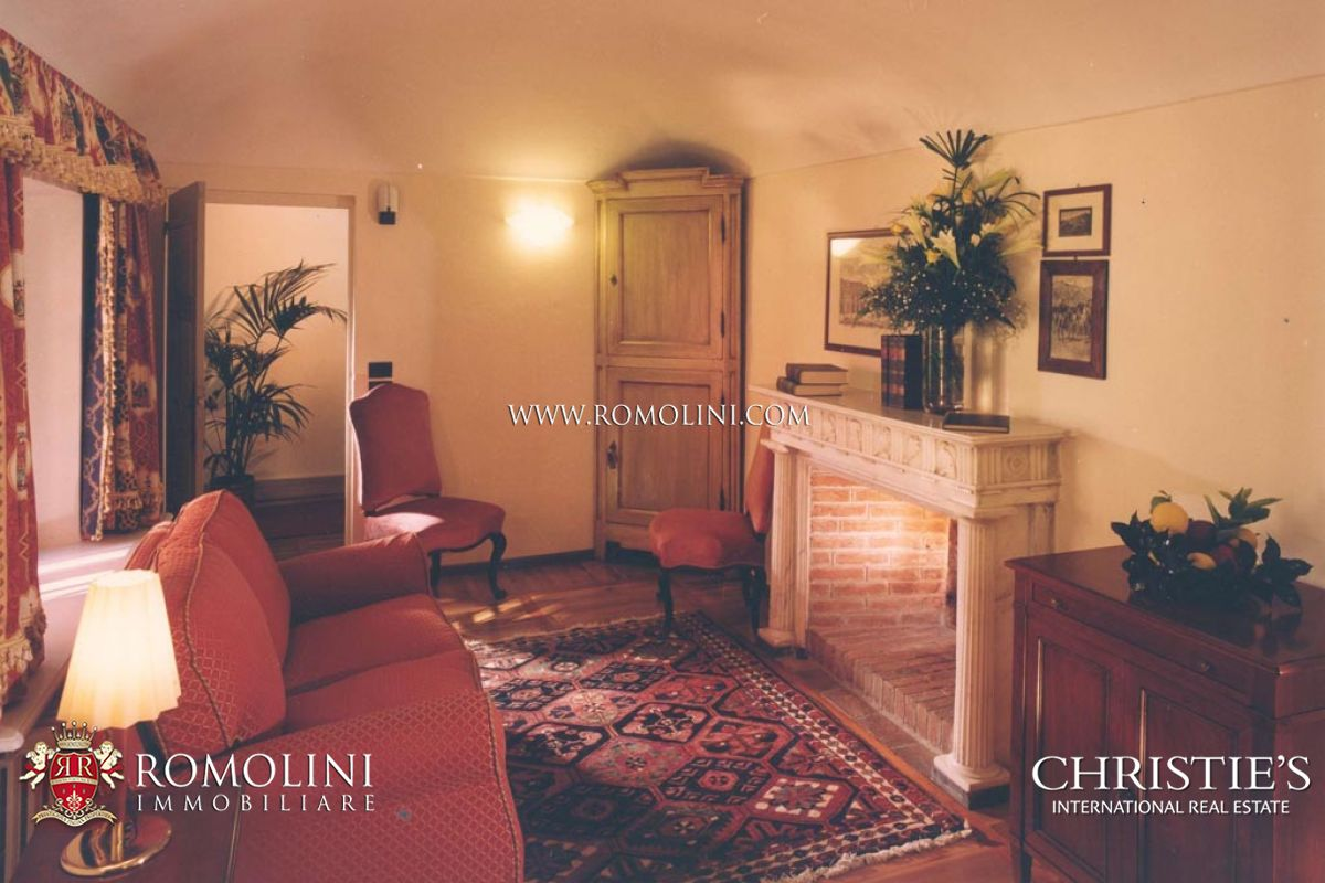 CASTLE WITH SPA FOR SALE IN PIEMONTE